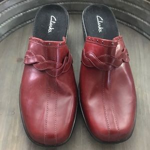 Clark's New Leather Red Clogs Braid/Stud Size 11
